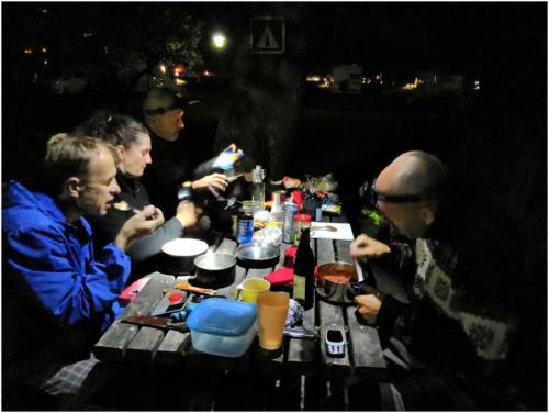 Večeře v kempu