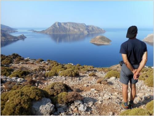 Pavel se kochá výhledem na ostrov Telendos