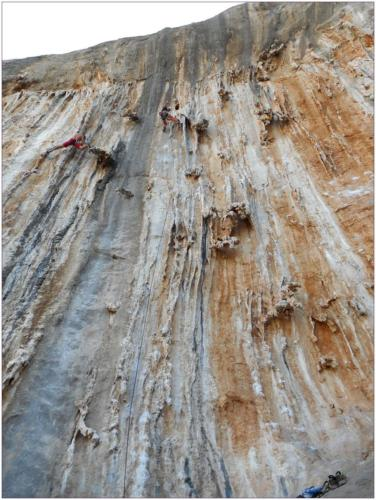 Pavel v cestě Remember Wadi Rum (6c)